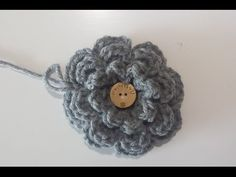 In this video I show you how to crochet an octopus keychain. (for English: turn on subtitles) In deze video toon ik hoe je een sleutelhanger inktvis kan hake. Crochet Diy, Irish Crochet, Crochet Ideas, Crochet Butterfly, Crochet Flowers, Flower Patterns, Crochet Embellishments, Make Your Own Clothes, Appliques