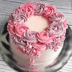 Order Cake, Flowers & Gift Online, Same-Day Flowers & Gift Delivery in India 19th Birthday Cakes, Birthday Cakes For Women, Grandma Birthday Cakes, Birthday Cake Roses, Gorgeous Cakes, Pretty Cakes, Amazing Cakes, Cake Icing, Buttercream Cake