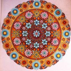 Mandala Circle Secret Garden. Mandala círculo Jardim Secreto. Johanna Basford