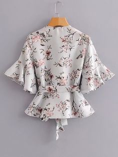 SheIn offers Botanical Print Ruffle Trim Wrap Blouse & more to fit your fashionable needs. Source by blouses patterns Shrug For Dresses, Modest Dresses, I Dress, Blouse Styles, Blouse Designs, Full Skirt Outfit, Cute Cowgirl Outfits, Fashion Wear, Fashion Outfits