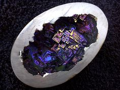 On the outsite, it's a rock! On the inside it magic. aka science. Bismuth Geode - Imgur