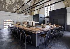 {Modern Decor Inspiration} 60 Beautiful Interiors by Piet Boon - Hello Lovely Jane Restaurant, Restaurant Design, Design Hotel, Modern Farmhouse Decor, Modern Decor, Modern Design, Beautiful Interior Design, Beautiful Interiors, Great Restaurants