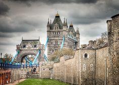 Tower of London & Tower Bridge - London, England
