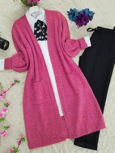 Stylish Dresses For Girls, Girls Dresses, Hijab Fashion, Fashion Outfits, Womens Fashion, Mode Hijab, Types Of Dresses, Character Outfits, College Outfits