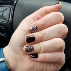 Made in Milan with accent nails layered with Tokyo Lights Minimalist Nails, Love Nails, My Nails, Gelish Nails, Winter Nail Designs, Dark Nails, Color Street Nails, Nagel Gel, Accent Nails