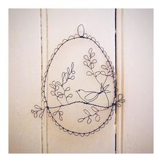 Wire Drawing, Wire Wreath, Vintage World Maps, Wreaths, Drawings, Metal, Instagram, Decor, Wire Crown