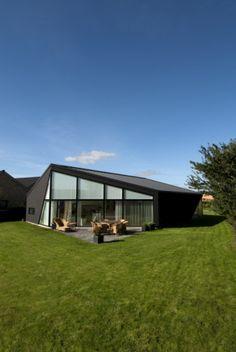 Private house, Silkeborg, (Denmark) by 3xN & M2 #architecture #Denmark #zinc #ANTHRA-ZINC