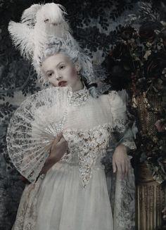 """""""Retrato de una dama"""" Mona Johannesson by Juan Gotti for Vogue Spain"""