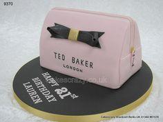 Ted Baker make up bag http://www.cakescrazy.co.uk/details/ted-baker-makeup-bag-cake-9370.html SO CUTE