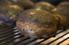 At brødene er nesten svartbrente, gir en fin bittersmak - en helt spesiell smaksopplevelse!