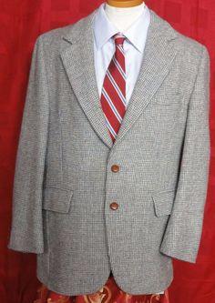 Harris Tweed Men's Multi color Scottish wool 2 Button Sport coat. Size 40R #HarrisTweed #TwoButton