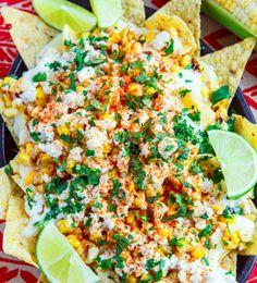 Comfort food is... chips, kaas, kaas, chips en eventueel kip en groenten. Deze recepten voor een schaal vol nachos zijn finger licking good.