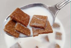 This Keto Gingerbread Toast Crunch Cereal recipe is the perfect breakfast to start the day. Tastes better than store bought and much healthier. Cereal Keto, Crunch Cereal, Low Carb Breakfast, Perfect Breakfast, Ketogenic Breakfast, Low Carb Keto, Low Carb Recipes, Cookie Crunch, Ginger Bread Cookies Recipe