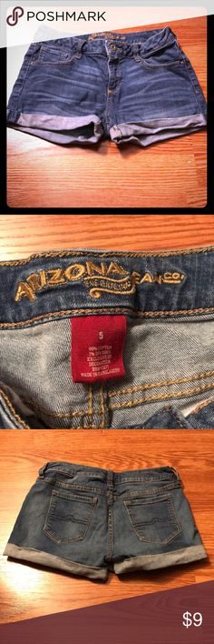 Arizona Jean Shorts These Arizona Juniors size five jean shorts are super cute! Perfect in the summer, they just don't fit me anymore. The cuff does have some creases that could easily iron out. Ship same or next day from a smoke free home! Arizona Jean Company Shorts Jean Shorts