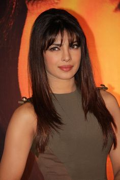Priyanka Chopra In Victoria Beckham At The Launch Of Her International Single, In My City Priyanka Chopra Haircut, Priyanka Chopra Hot, Actress Aishwarya Rai, Bollywood Actress, Jolie Photo, Bollywood Celebrities, Looks Style, Beautiful Indian Actress, Hair Dos