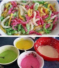 Hmong silkworm cake recipe Vietnamese Cake Recipe, Vietnamese Recipes, Asian Recipes, Thai Recipes, Laos Desserts, Asian Desserts, Filipino Desserts, Steamed Cassava Cake Recipe, Asain Food
