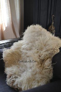100% natuur- & diervriendelijke vachten. WollenVachten van Flekzer&Co http://dhphappyliving.blogspot.nl/2014/09/onder-de-wol.html