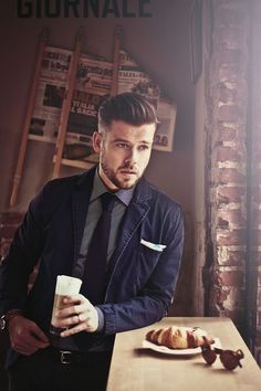 Love the fabric combination on the top. casual jacket, thin dressy shirt, thick Darren tie. Very cohesive.