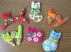 felty cat fridge magnets