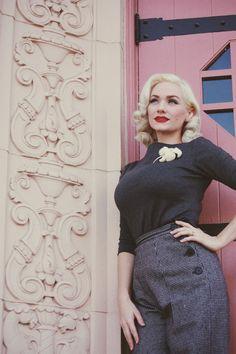 Vintage Blog - The Pink Collar Life