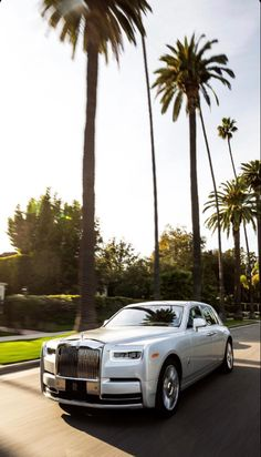 Bentley Rolls Royce, Rolls Royce Cars, Rolls Royce Cullinan, Rolls Royce Phantom, Maybach, Top Cars, Motor Car, Exotic Cars, Luxury Cars