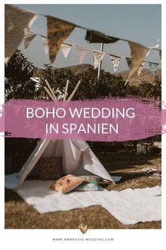 Heiraten am Strand in der Sonne am Meer ist wohl die romantischste Art sich zu trauen. Eine Hochzeit in Spanien am Meer ist entspannt und immer wunderschön. Ambrosia Wedding hilft dir bei der Planung deiner Strandhochzeit. Boho Hochzeit am Strand in Spanien. Traumhochzeit im Boho Stil, Boho Wedding in Spanien. Boho Deko für die Boho Braut.  #strandhochzeit #beachwedding #heiratenamstrand #bohowedding #bohohochzeit #bohodeko Garden Wedding, Boho Wedding, Destination Wedding, Hippie Chic, Knots Guide, Wedding Etiquette, Binder Organization, Boho Stil, Made In Heaven