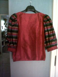 "Hippie and very fashionable blouse in ""raw silk"" with puff sleeves"