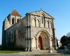 église romane de Jazennes. Poitou-Charentes