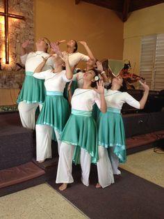 Worship through dance! Praise Dance Wear, Praise Dance Dresses, Worship Dance, Dance Uniforms, Dance Gear, Body Painting, Renz, Church Outfits, Cristiano