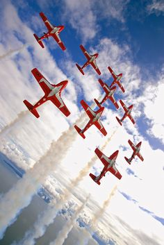 Snowbirds- a must see at the summer Canadian Exhibition Labour Day weekend in Toronto Largest Countries, Countries Of The World, Canadian Symbols, I Am Canadian, Canadian Holidays, Canadian Maple, All About Canada, Toronto, Discover Canada