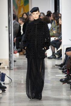 Akris : l'élégance est un art Fashion Week, Skirt Fashion, Stretch Pencil Skirt, Ribbed Cardigan, Velvet Jacket, Silk Wool, Silk Crepe, Sheath Dress, Knitwear