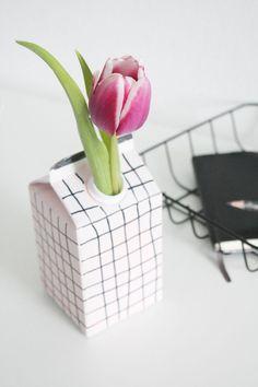 Upcycling: DIY Vase aus Tetrapack & Gewinner