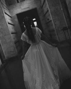 My style of wedding photography is more like street photography in that my focus is candid moments NOT posed moments. Wedding Goals, Wedding Make Up, Perfect Wedding, Bride Hairstyles, Vintage Hairstyles, Dream Wedding Dresses, Bridal Dresses, Wedding Venues Oregon, Portrait Photography