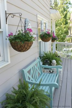 Wonderful Balcony Hanging Basket Planters - Unique Balcony & Garden Decoration a. Wonderful Balcony Hanging Basket Planters - Unique Balcony & Garden Decoration a. Used Outdoor Furniture, Patio Furniture Makeover, Diy Garden Furniture, Porch Makeover, Porch Furniture, Furniture Ideas, Antique Furniture, Wooden Furniture, Furniture Inspiration
