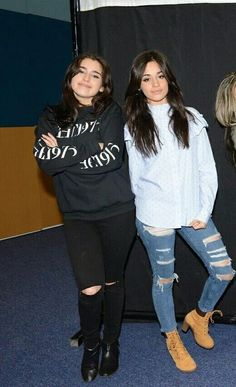 Lauren and Camila at a M&G Meet And Greet Poses, Fifth Harmony Camren, Jane Hansen, Camila And Lauren, Beautiful Love Stories, Beautiful Things, Dinah Jane, Black Beanie, Shows