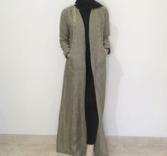 Hijab abaya outfit : Olive linen abaya with pokets Modesty Fashion, Abaya Fashion, Muslim Fashion, Fashion Dresses, Abaya Designs Dubai, Hijab Abaya, Arab Girls Hijab, Muslim Girls, Mode Abaya