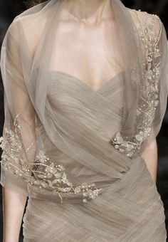 wink-smile-pout: Elie Saab Haute Couture Spring 2010. V