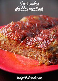 Slow Cooker Cheddar Meatloaf- So good! Crock pot comfort food at its best! #CrockPot #Beef Crock Pot Meatloaf, Cheesy Meatloaf, Slow Cooker Meatloaf, Crock Pot Slow Cooker, Slow Cooker Recipes, Cooking Recipes, Cookbook Recipes, Cooking Tips, Cheesy Recipes