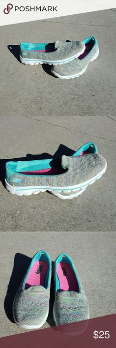 Skechers go walk slip on shoes Has been worn Size 9  Slip on Gogamat technology No Trades Skechers Shoes Sneakers