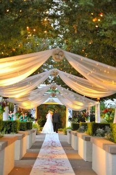 On budget outdoor wedding decorations