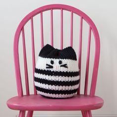 Knit Picks Mighty Mini Kitty Pouf Knitting Pattern Knit Classic Cats