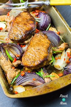 Syn Free Balsamic Glazed Pork Slimming World Slimming World Weight Watchers Calorie Counted Recipes Slimming World Dinners, Slimming World Recipes Syn Free, Slimming World Syns, Slimming Word, Slimming Eats, Pork Chop Recipes, Meat Recipes, Cooking Recipes, Healthy Recipes