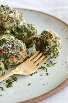 Vegetarian Lentil Meatballs in Lemon Pesto | @styleminimalism