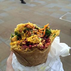 Heading out and about in London this weekend? Why not try this delicious #vegan roti wrap from the #dukeofyorksquare Saturday #foodmarket ✨