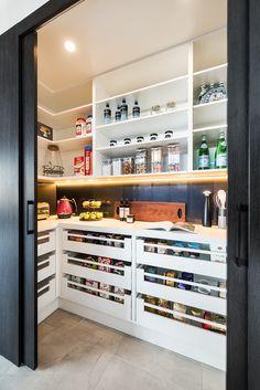 Kitchen Pantry Design, Kitchen Organization Pantry, Pantry Storage, Modern Kitchen Design, Home Decor Kitchen, Interior Design Kitchen, Diy Kitchen, Home Kitchens, Home Interior