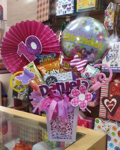 Candy Bouquet, Balloon Bouquet, Pretty Packaging, Gift Packaging, Gift Hampers, Gift Baskets, Gift Wrapping Bows, Balloon Gift, Balloon Decorations Party