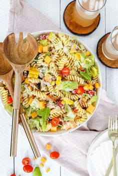 Simple and Delicious BLT Pasta Salad — Honest Grub, Honest Foodie Blt Pasta Salads, Blt Salad, Appetizer Salads, Pasta Salad Recipes, Appetizers, Summer Dishes, Summer Salads, Summer Food, Best Potato Soup