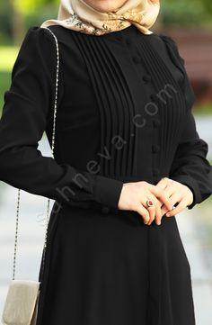 Street Hijab Fashion, Abaya Fashion, Fashion Dresses, Mode Abaya, Mode Hijab, Burqa Designs, Moslem Fashion, Iranian Women Fashion, Sleeves Designs For Dresses