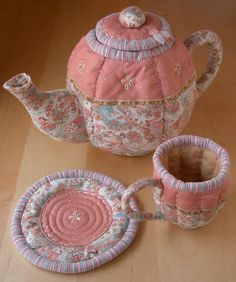 Quilted Tea Set by PatchworkPottery, via Flickr