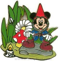Disney WDW Spotlight Garden Gnome Mickey Mouse LE 1000